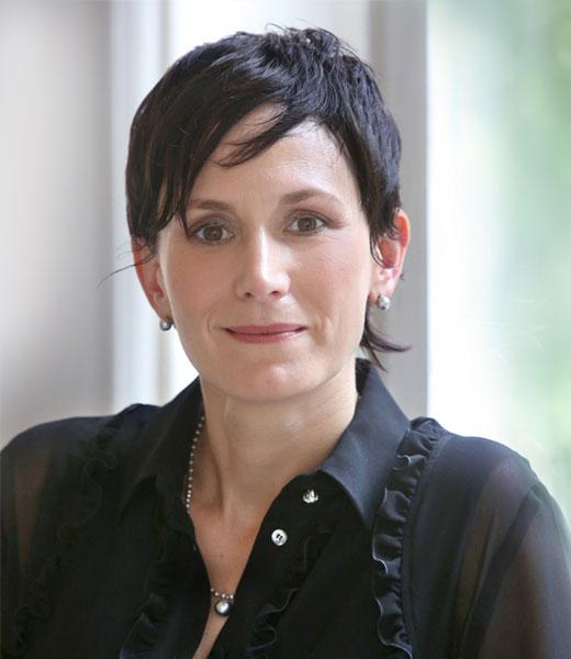 Notarin Martina Sienz